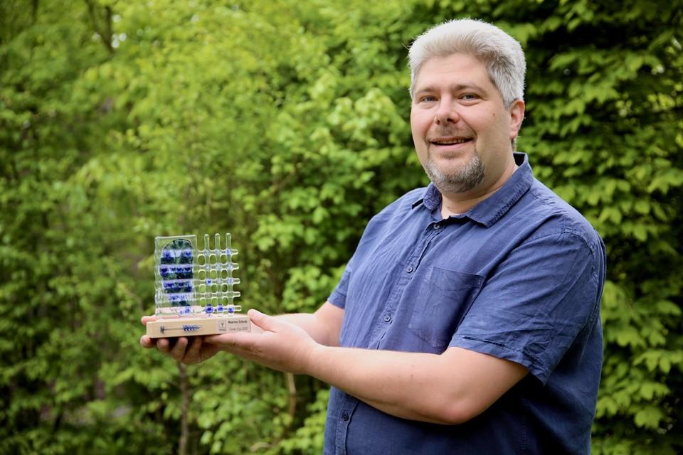 Maarten Schenk speurt met zijn bedrijf Lead Stories naar fakenews op het internet.