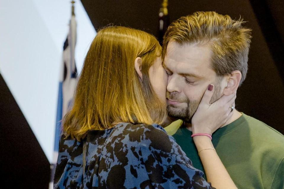 In de slotaflevering van 'Blind Getrouwd' namen Dennis en Nathalie afscheid van elkaar, nu heeft hij een nieuwe vriendin