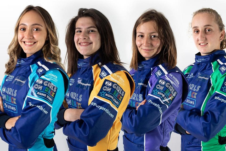 De vier finalisten. Maya Meug is de meest rechtse met het groene racepak.