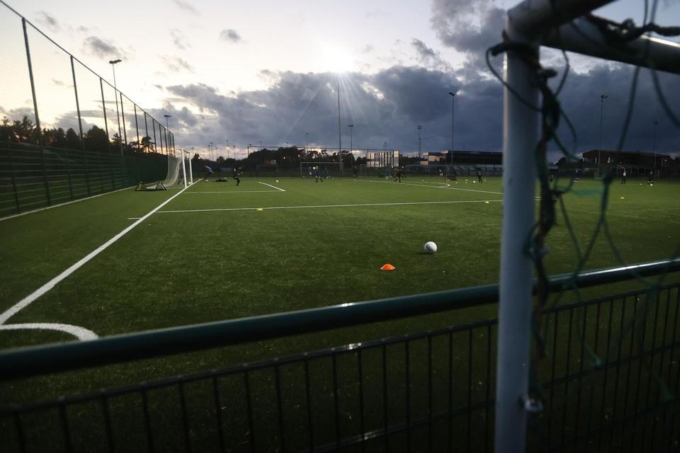 Voetbalclub Esperanza Pelt gaf al meteen gehoor aan de oproep van burgemeester Frank Smeets en schrapte alle trainingen vanaf donderdag voor haar bijna vierhonderd leden