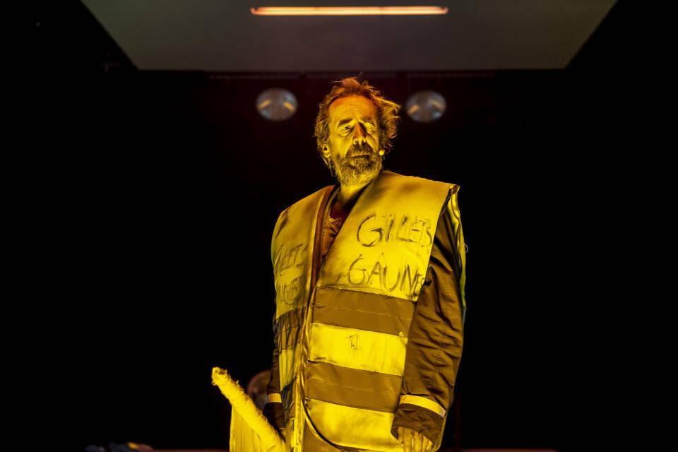 Kris Cuppens speelt een 'Geel Hesje' in het gelijknamige theaterstuk.
