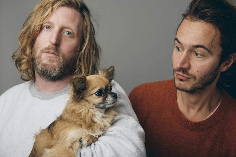 Muzikant Andy Burrows en Editors-frontman Tom Smith lanceren hun tweede plaat als Smith & Burrows.