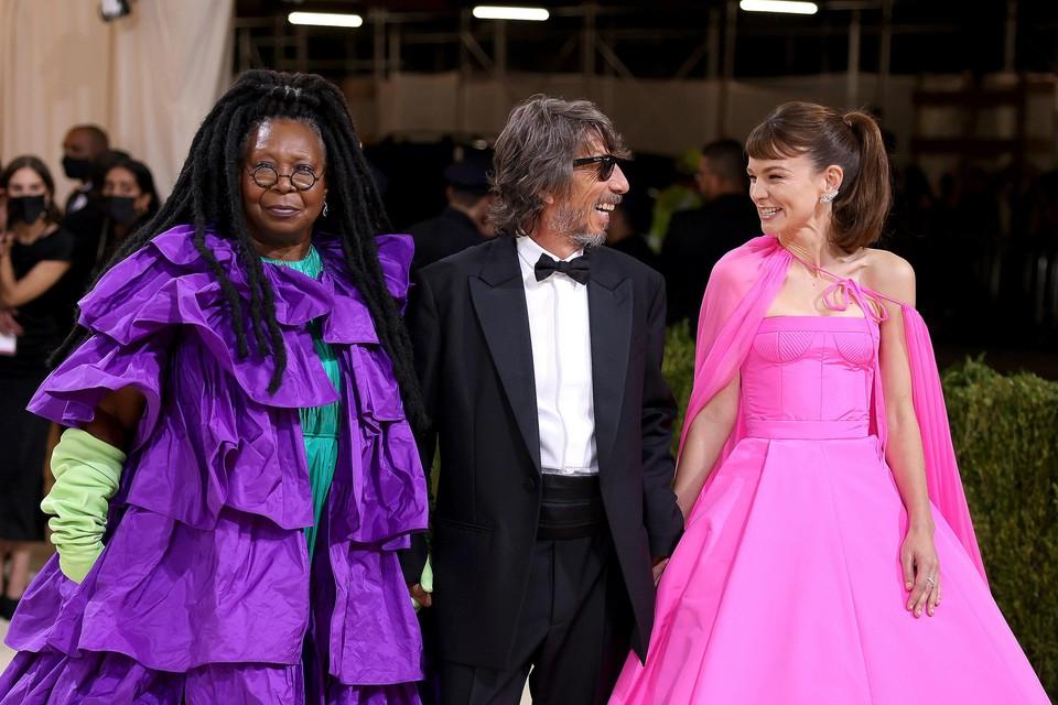 Actrice Whoopi Goldberg, Pierpaolo Piccioli van modemerk Valentino en -actrice Carey Mulligan. Z
