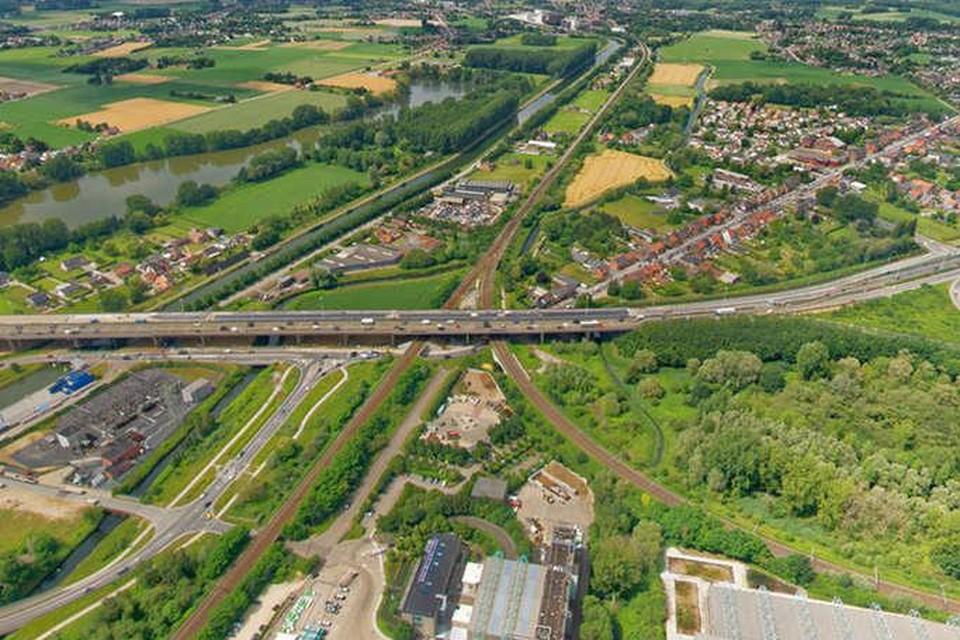 Archiefbeeld. Op de E314 tussen Aarschot en Bekkevoort zullen er vanaf maandag werken zijn aan de rechterrijstrook en de pechstrook.