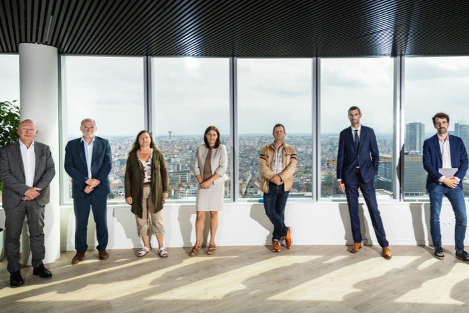 Op de foto (van links naar rechts): Alain Goergen (Brusafe), Sigurd Vangermeersch (visit.brussels), Iris Fostiez (Sibelga), Isabelle Meulemans (talent.brussels), Johan Claes (MIVB), Frank Leroy (KBC Brussels) en Arnaud Vajda (FOD Financiën).