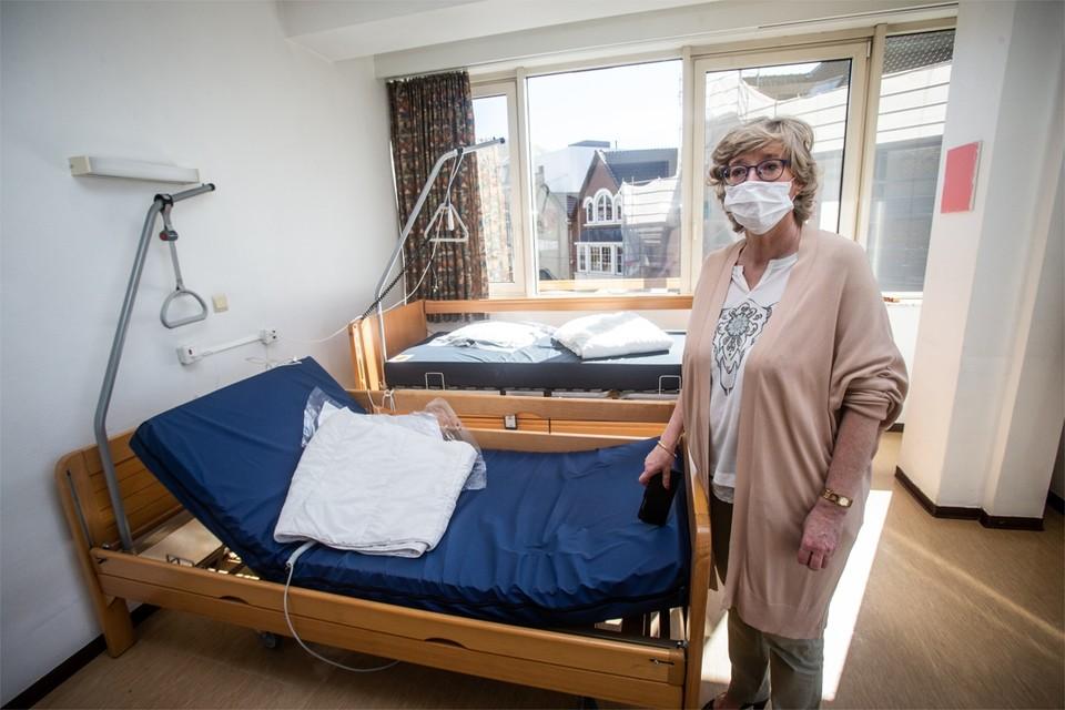 Burgemeester Veerle Heeren in het Schakelcentrum.