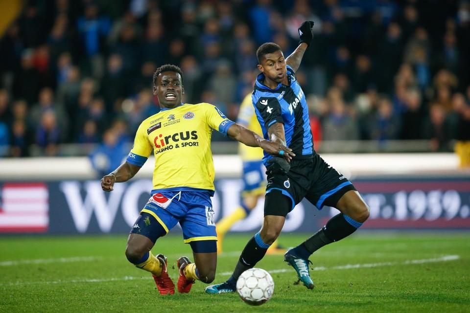 Archiefbeeld: Jonathan Buatu in actie met Waasland-Beveren tegen Club Brugge.