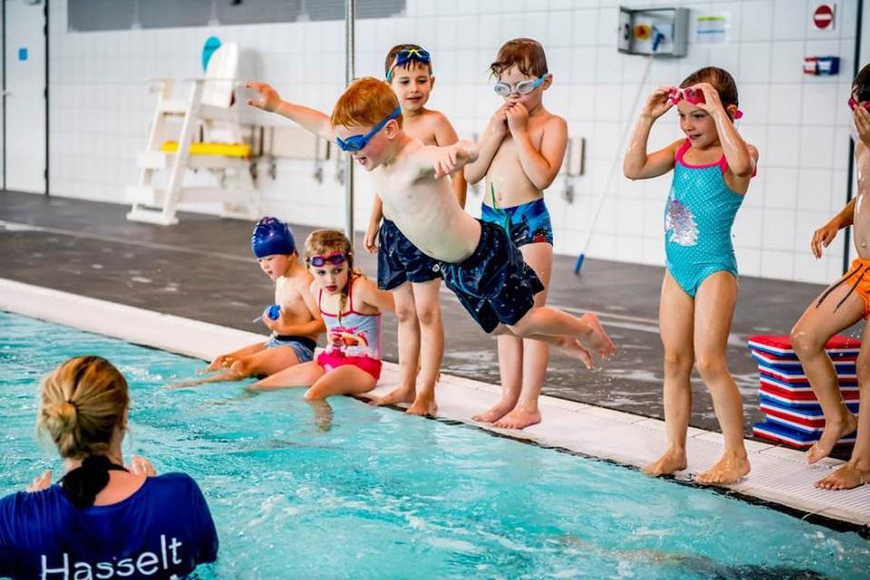 Een van de populairste kampen in Hasselt: zwemmen.