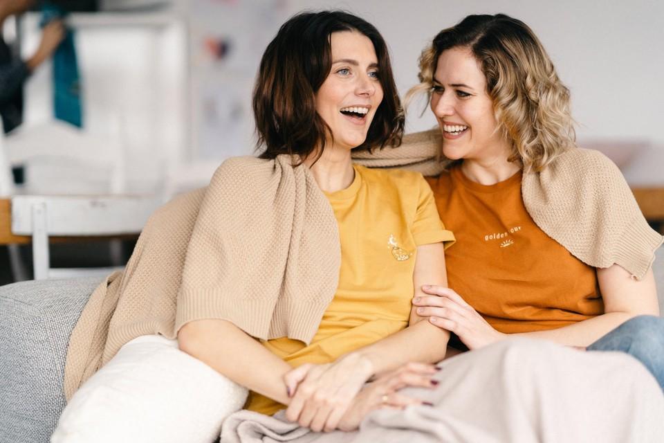 Lara Switten (links) en hartsvriendin Ine Nijs (rechts).
