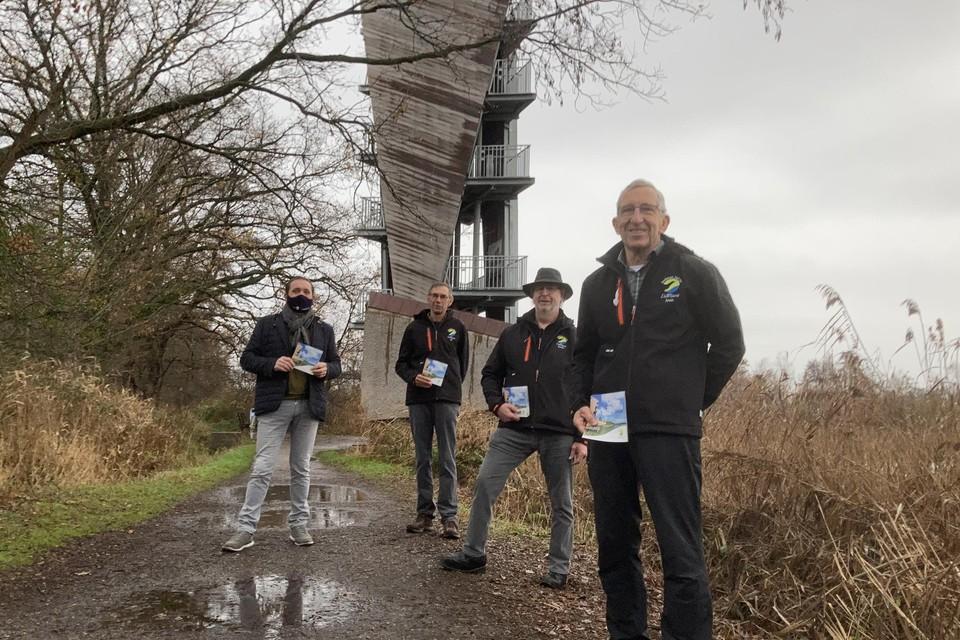 De Wijergidsen aan de uitkijktoren