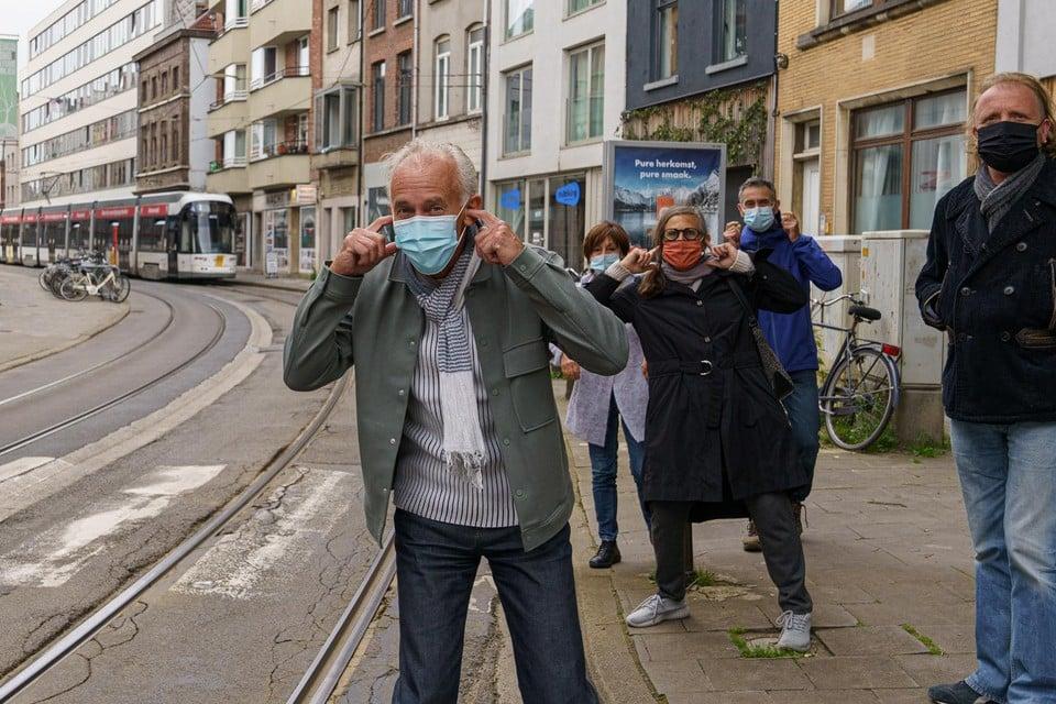 Bewoners en handelaars uit de straat verenigden zich en proberen druk te zetten voor een oplossing.