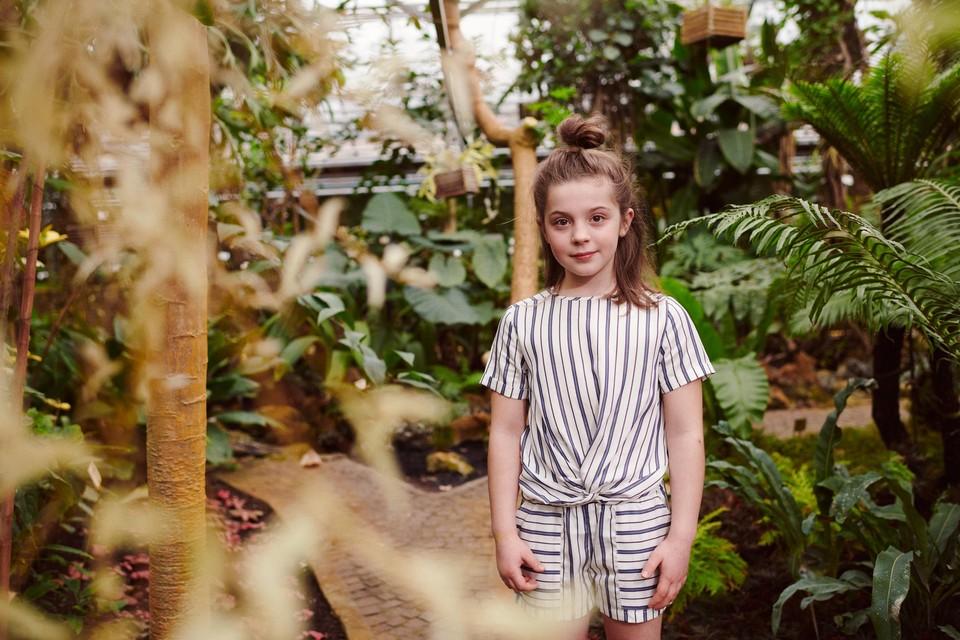 Een JBC-outfit gemaakt van lyocell, een vezel van eucalyptusbomen waar chemicaliën aan worden toegevoegd.