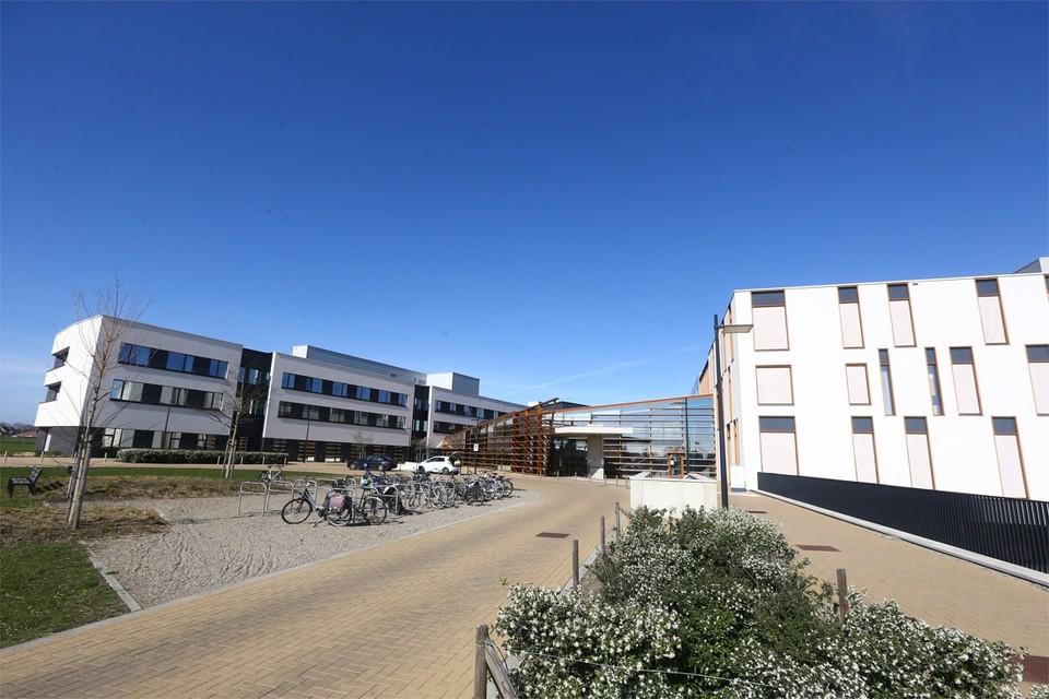 Vanuit het Ziekenhuis Maas en Kempen in Maaseik werden er vandaag twee coronapatiënten naar ziekenhuizen in Gent gebracht.