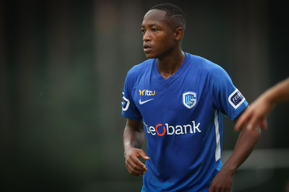 De Tanzaniaan Kelvin John maakte een prachtig doelpunt.