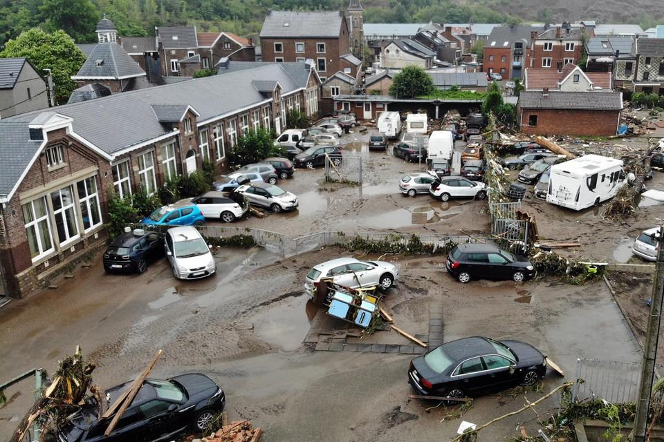 Twee maanden na de ramp wordt de totale schade op zo'n 4 miljard euro geschat.