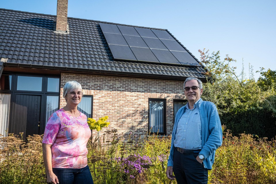 Als de zon schijnt, vallen de zonnepanelen van Jos en zijn echtgenote Linda uit Sint-Truiden vaak uit.