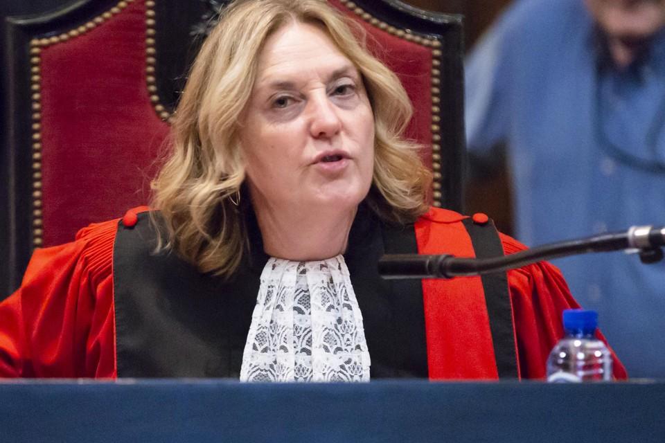 De voorzitster van het Brusselse hof van beroep, Laurence Massart, stelt onomwonden dat haar eigen hof niet naar behoren functioneert.