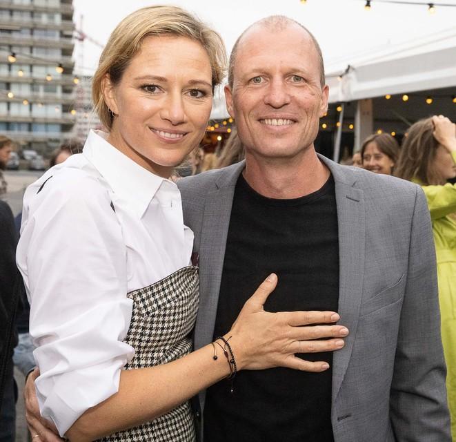Hoofdrolspeelster Hilde De Baerdemaeker met haar echtgenoot Pieter, die achter de schermen in de tv-wereld werkt.