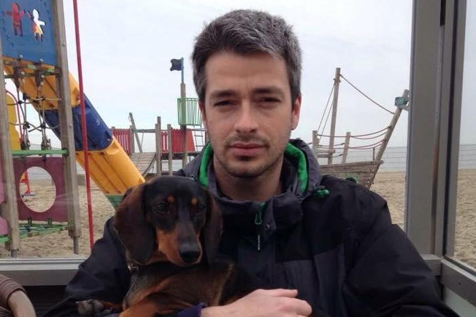 """""""Diesel was de hond van mijn overleden man. Het was het laatste wat we nog van Benni hadden. We trokken ons op aan het hondje"""", vertelt Benni's weduwe Anneleen."""