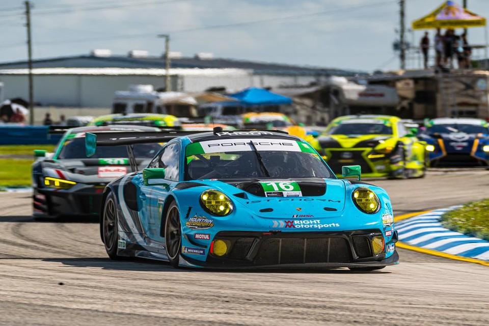 Jan Heylen met de Porsche GT3 van Wright Motorsports in de 12 Uur van Sebring.