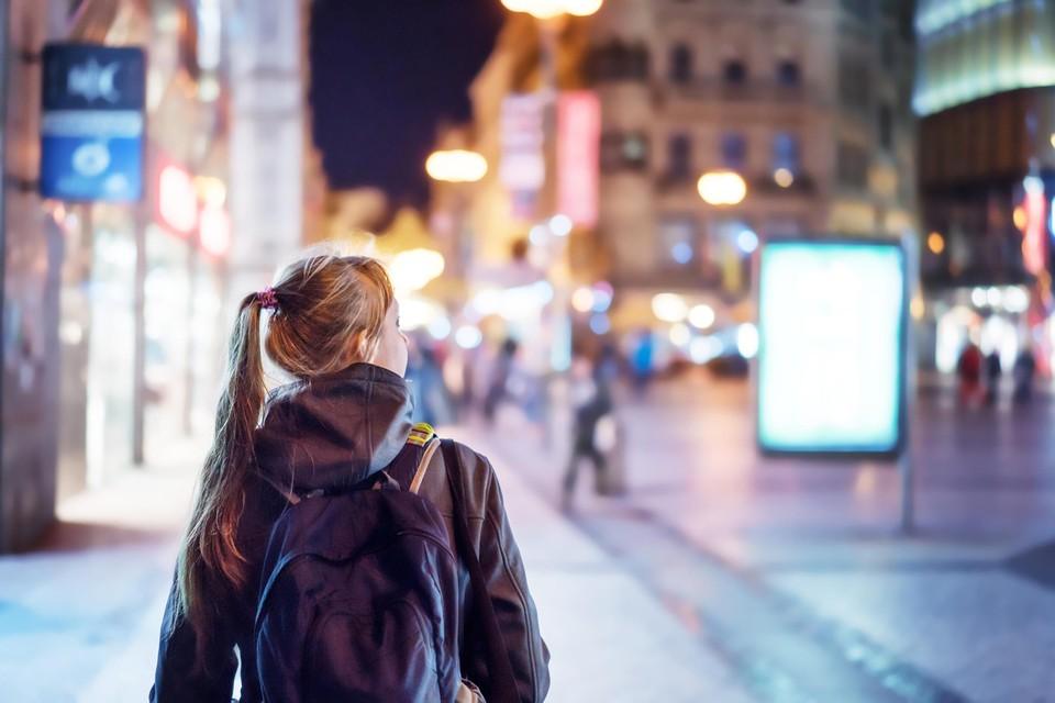 Eén op de twee jonge meisjes maakt in onze grote steden een omweg uit vrees voor seksuele intimidatie