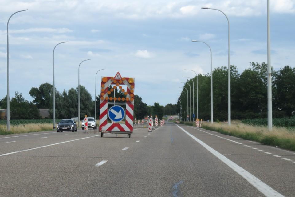 Op de aansluiting met KMO-zone Kanaal met de N 76 komen er voorsorteerstroken.