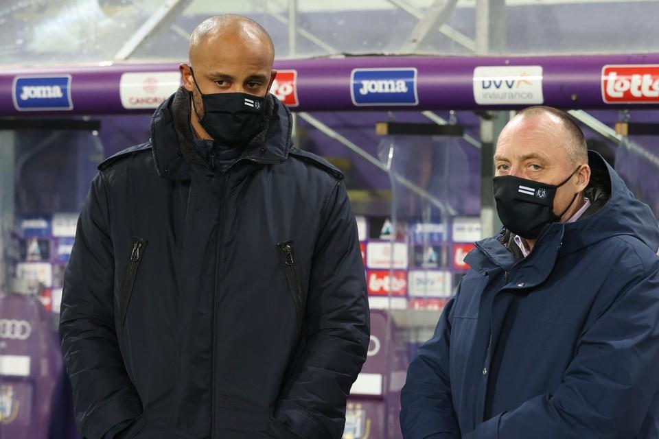 Voorzitter Wouter Vandenhaute en trainer Vincent Kompany hebben (voorlopig) een zorg minder bij Anderlecht