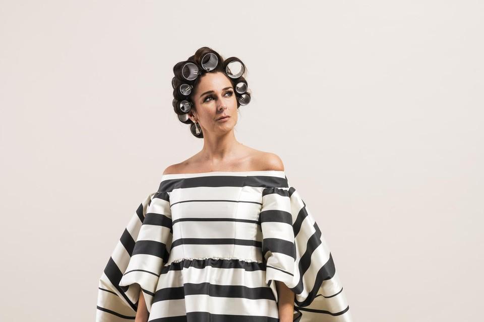 Jurk: Natan Couture, Oorbellen: Barelli M