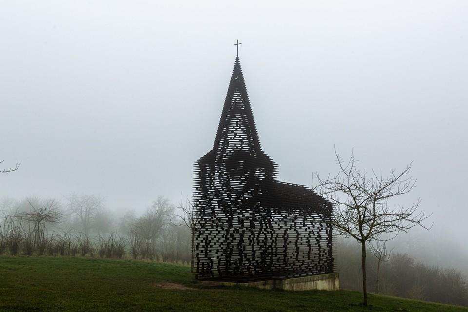 Het doorkijkkerkje in Borgloon is het mooiste wat België te bieden heeft, volgens 130 reisexperts.