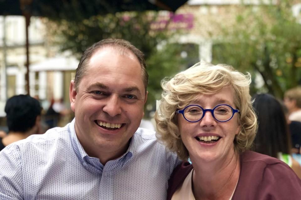 Burgemeester van Sint-Truiden Veerle Heeren en haar partner Dimitri Flossy op een foto van voor de ziekenhuisopname.