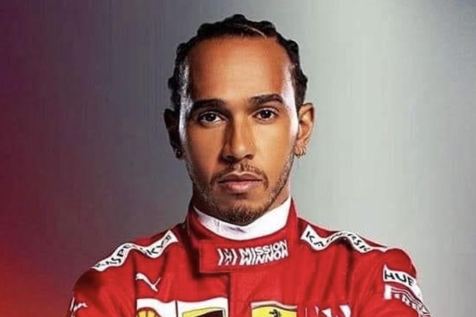 Een impressie van Lewis Hamilton met raceoverall van Ferrari