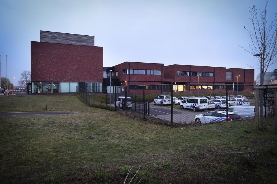Het politiegebouw in Bree huisvest behalve de wijkwerking en interventie ook de recherche van de zone Carma.