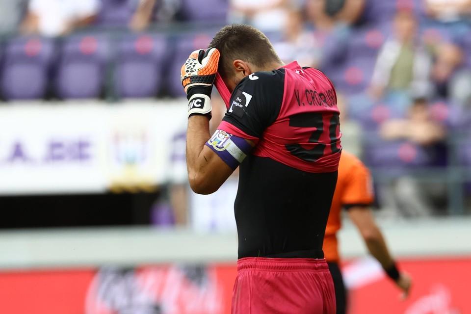 Anderlecht-doelman Hendrik Van Crombrugge voelde de bui al hangen in de Brusselse derby tegen Union.