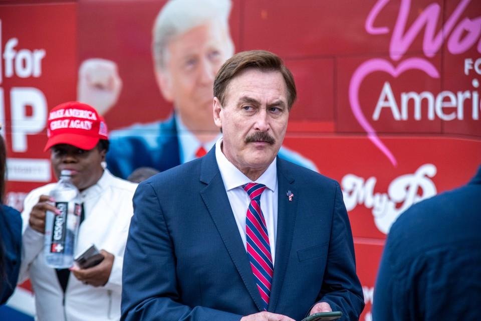 Mike Lindell tijdens een rally voor Trump.