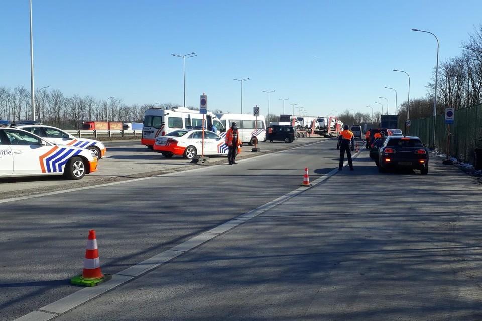 Aan de grensovergang met Nederland op de E314 in Boorsem heeft de Wegpolitie Limburg het uitgaand verkeer gecontroleerd.