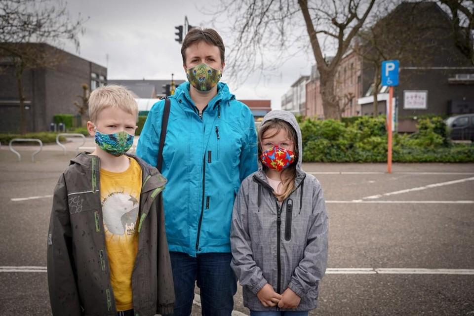 Ook Jasper en Jana, de kinderen van Marijke Stienaers, werden zaterdag getest.