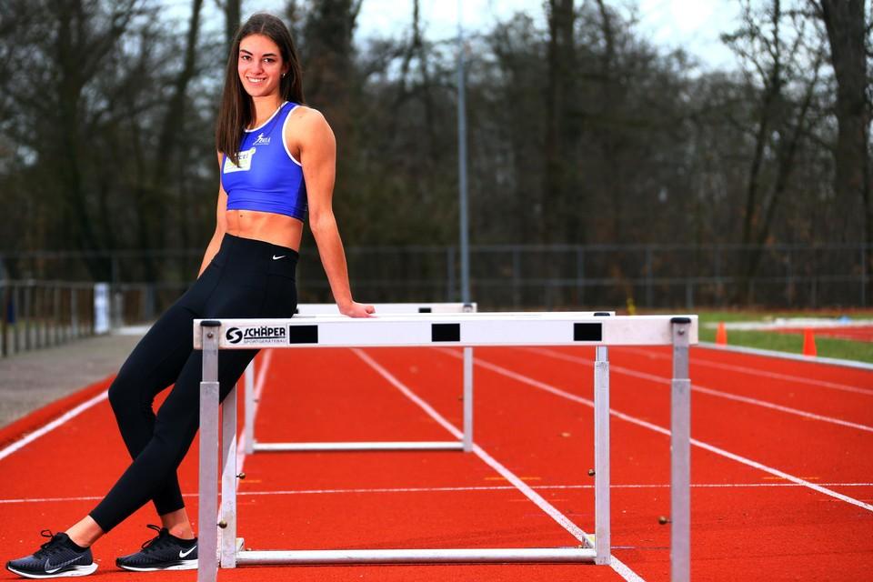 Eline Claeys ruilt op het BK indoor haar geliefkoosde horden voor de 200m.