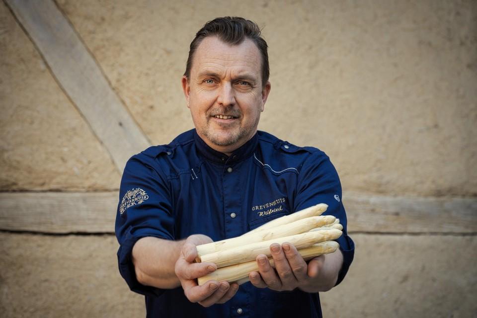 Chef Wilfried Beliën van 't Grevenhuis in Borgloon geeft je zijn gouden tips om asperges te bereiden.