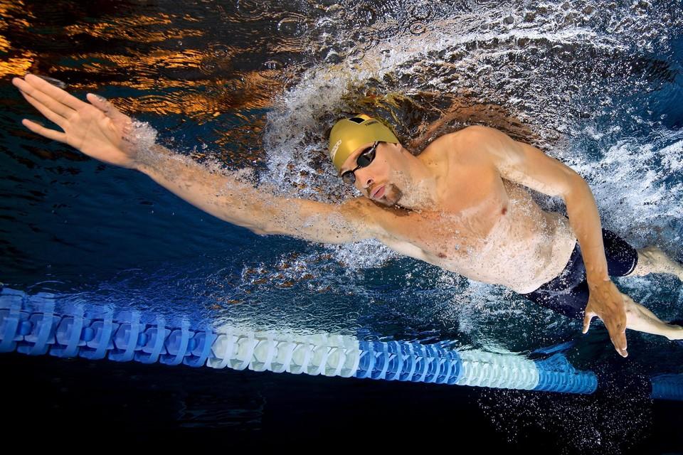 Pieter Timmers is aan zijn laatste meters in het wedstrijdwater toe.