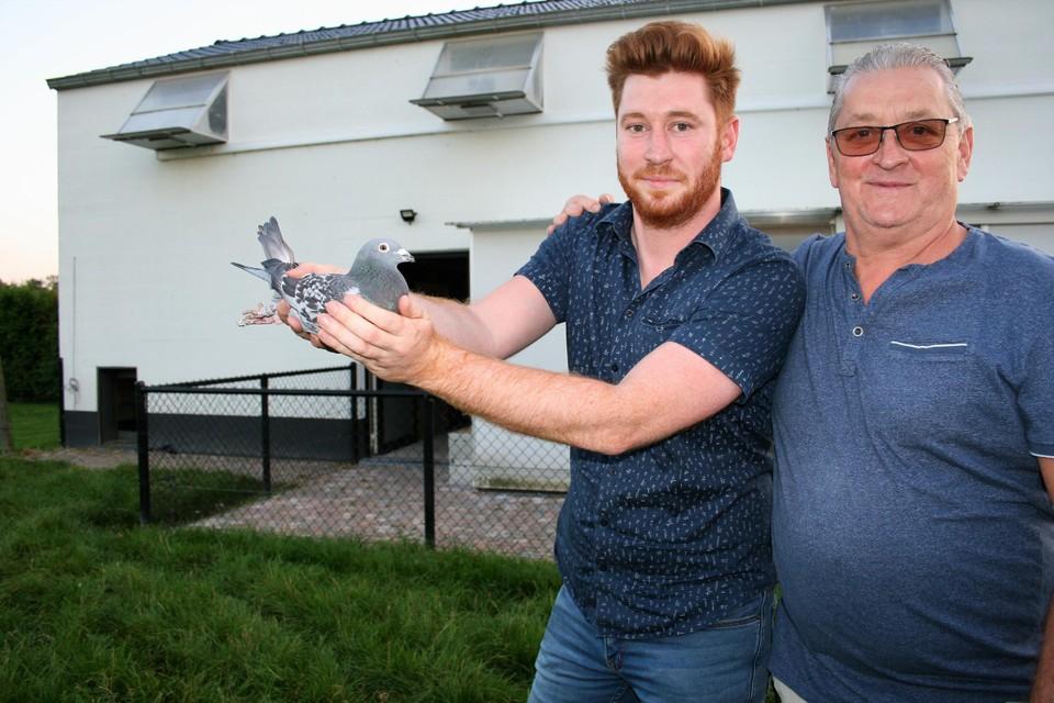 Naast hun eerste provinciale zege, vloog de duif van Stef en vader Luc Mommen nationaal naar de vijfde plaats.