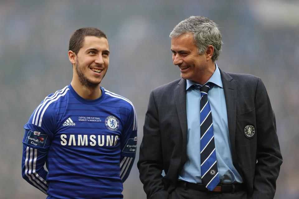 Hazard en Mourinho zij aan zij in hun periode bij Chelsea.