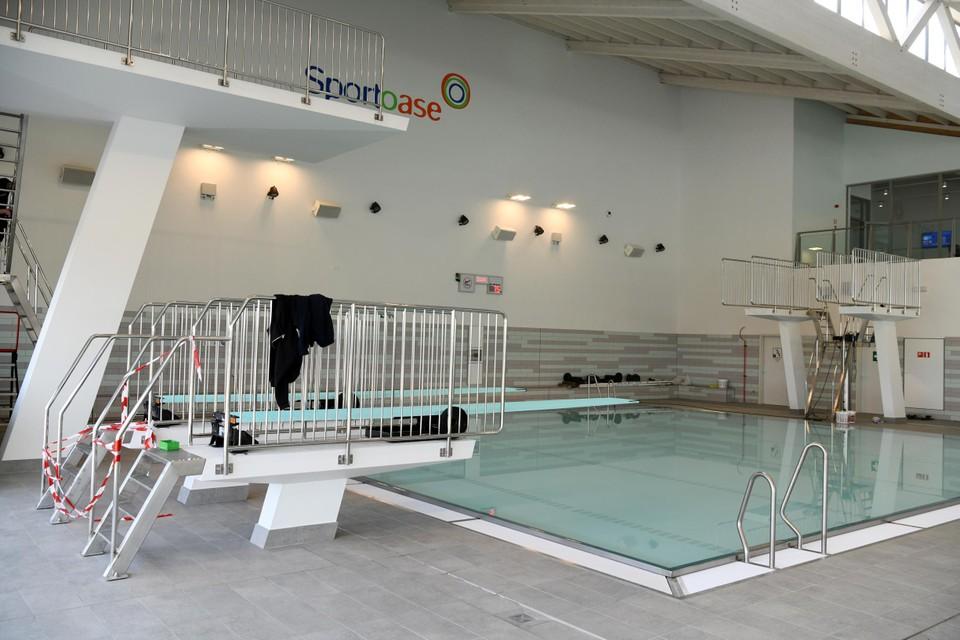Het instructiebad met springplanken.