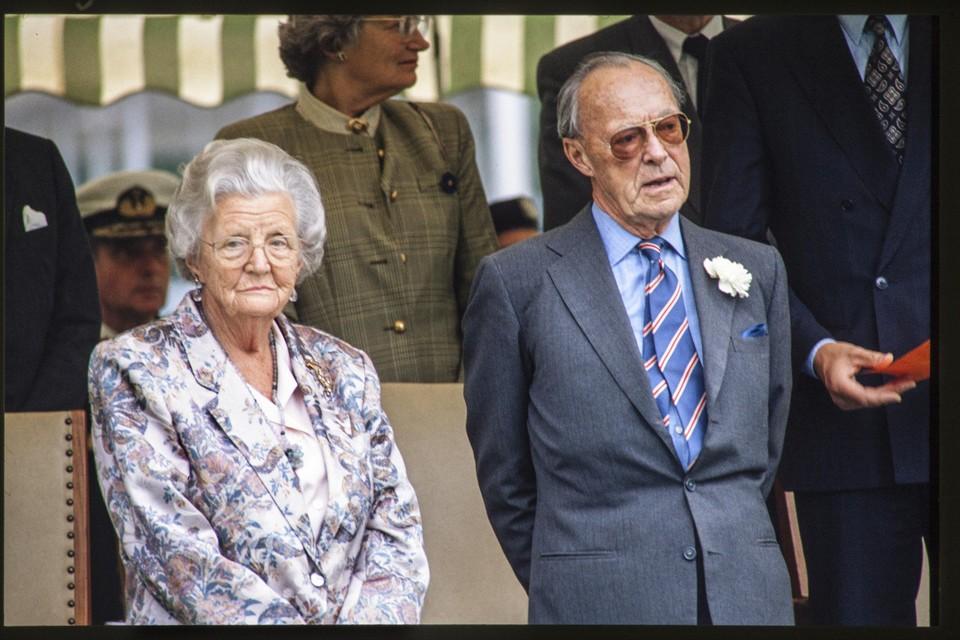 Mocht Juliana niet voor Bernhard overleden zijn, dat was ze geconfronteerd geworden met het feit dat ze minder persoonlijk spullen erfde van haar man dan een van zijn minnaressen.