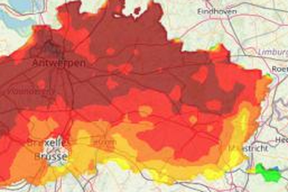De concentraties fijn stof (PM10) lagen woensdagmorgen al boven de informatiedrempel. Tot 's avonds zijn ze nog gestegen.