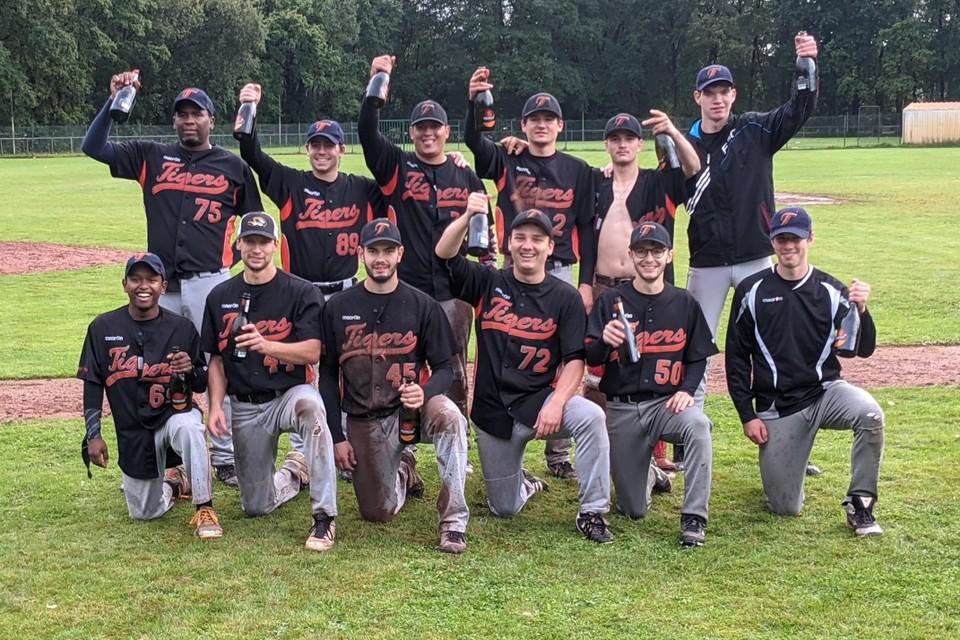 Sunville Tigers kroonde zich tot kampioen in de tweede divisie.