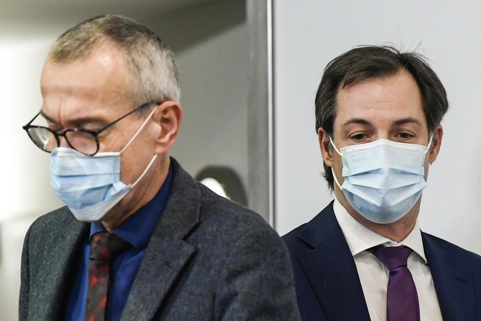 Minister van Volksgezondheid Frank Vandenbroucke (sp.a) wil wachten met versoepelen tot 1 april. Premier De Croo zou wel gewonnen zijn voor een versoepeling vóór april.