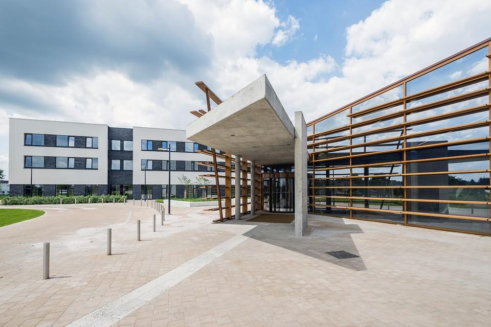 In het Ziekenhuis Maas en Kempen in Maaseik stierf een 72-jarige man als gevolg van een coronabesmetting.