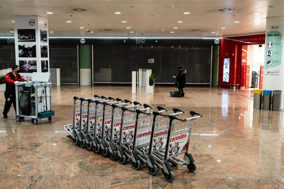 De luchthaven zal er nog langer rustig bij liggen.