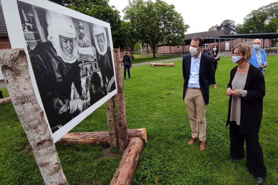 De foto's die de Antwerpse fotografe en verpleegkundige Evi Polak maakte op de covid-afdeling van het UZ Antwerpen, maakten duidelijk indruk op de minister.