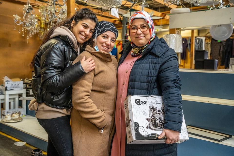Hatice Özturk baatte op de Zwarte Markt samen met haar man dertig jaar een stand uit in verlichting en geschenkartikelen.